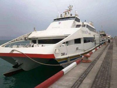 اولین کشتی گردشگری در جزیره ی کیش