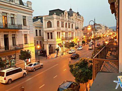 خیابان آقماشنبلی تفلیس